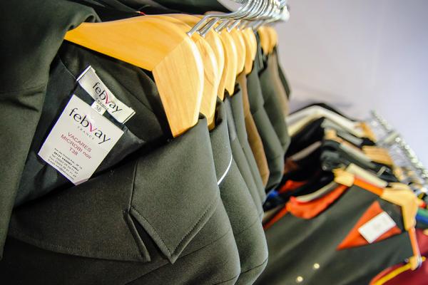 Pourquoi confier la couture et la conceptions de ses uniformes professionnels à Febvay Ateliers est un bon plan ?